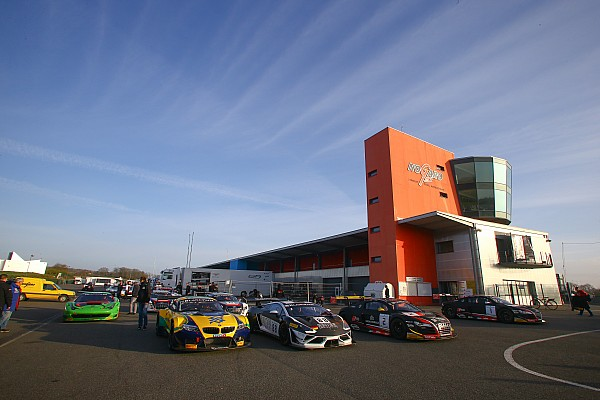 Blancpain Sprint Audi domina el primer día en Nogaro