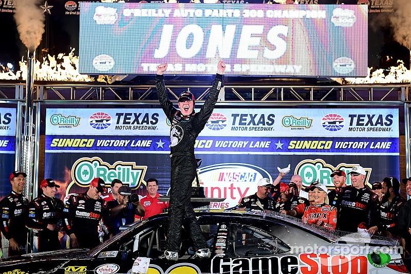 Erik Jones holds off Keselowski and Earnhardt to win first XFINITY race