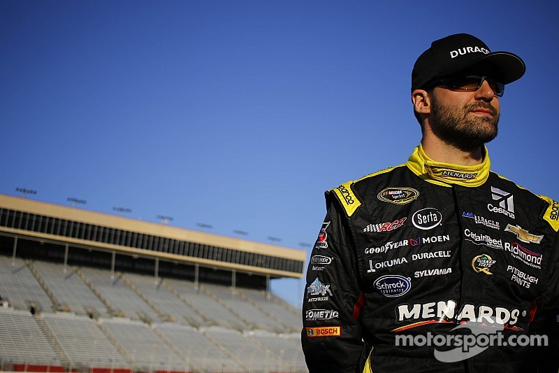 Menard's evening ends early at Texas