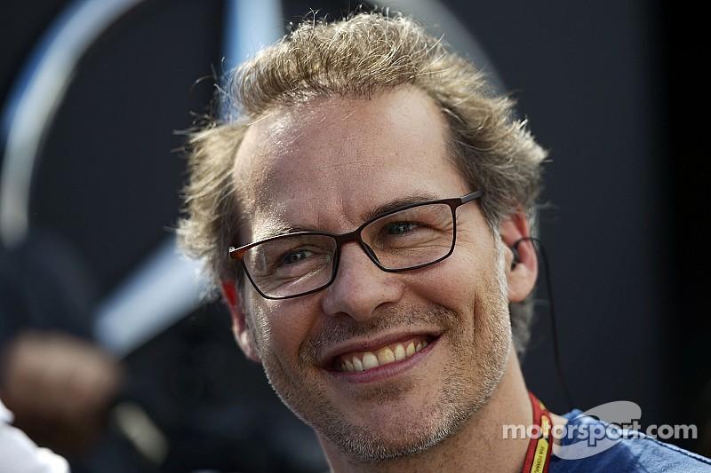Вильнева не впечатлил дебют Квята в Red Bull Racing