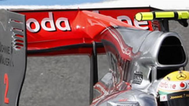 F1: l'ala della McLaren passa i controlli della FIA