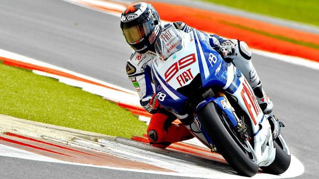 Lorenzo non ha rivali a Silverstone