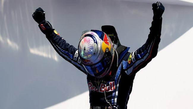 Vettel vince un Gp nel caos della Fia