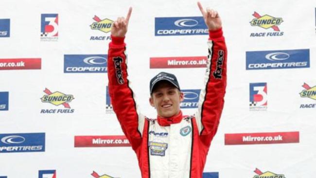 Daniel McKenzie vince la prima gara con pit-stop