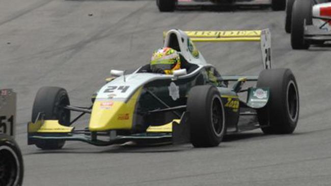 F2000 Light: Turchetto domina gara 1 a Magny-Cours
