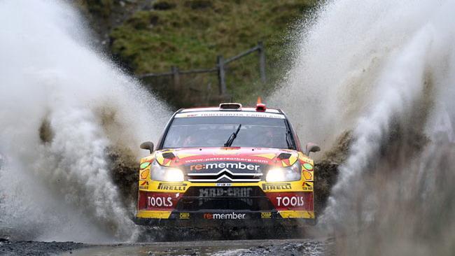 Galles, PS13: Solberg non molla, Loeb vince ancora