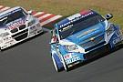 Tripletta Chevrolet nella seconda sessione di libere