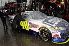 A Dover piove, pole position a Jimmie Johnson