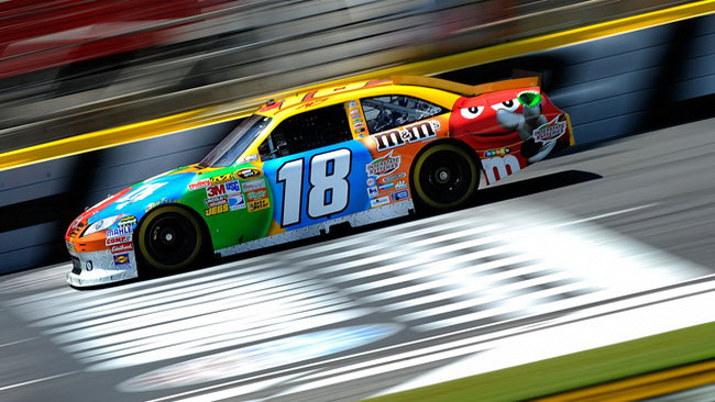 Kyle Busch in pole all'All-Star Race
