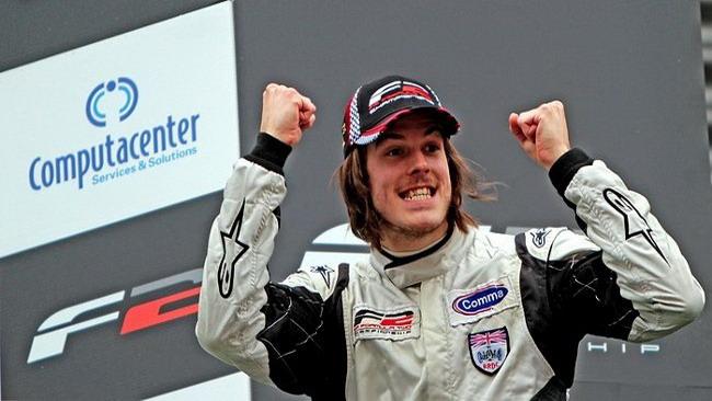 Will Bratt vince sotto la pioggia di Spa