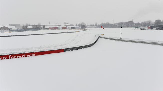 Ferrari: la neve nega la prima uscita a Fiorano