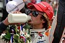 L'immagine di Dan Wheldon sui biglietti della Indy 500