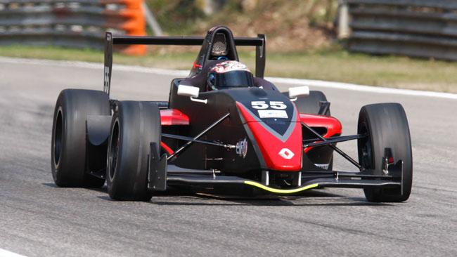 Luca Defendi svetta nelle prime libere a Monza