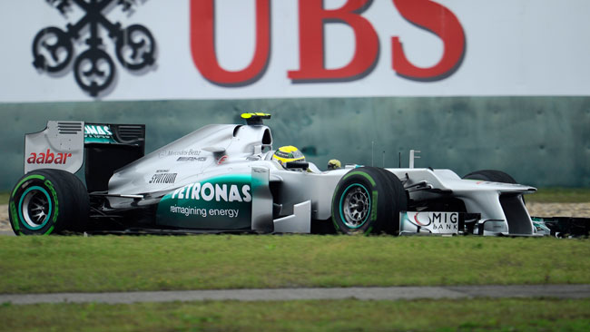 Shanghai: Rosberg porta la Mercedes in pole!