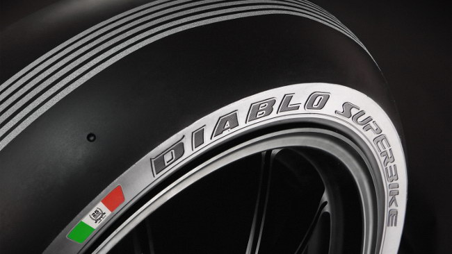 Pirelli con una gomma speciale per i 25 anni della SBK