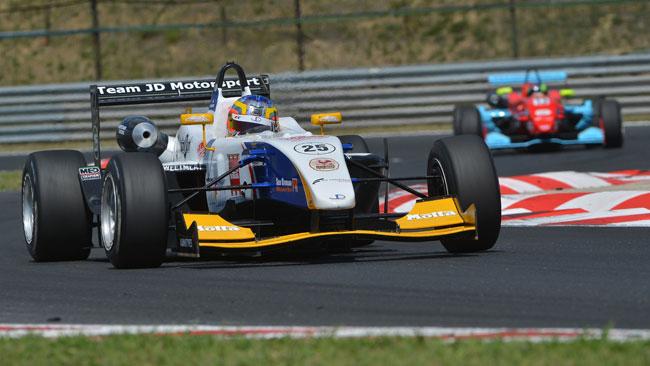 Agostini riporta alla vittoria la Mygale in gara 2!
