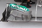 Mercedes senza i flap rialzati sull'ala anteriore