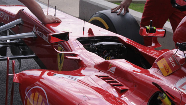 La Ferrari integra gli specchietti retrovisori nelle pinne