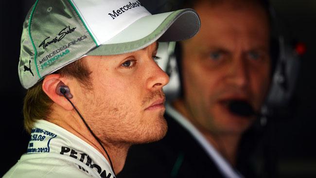 Rosberg paga cinque posizioni in griglia