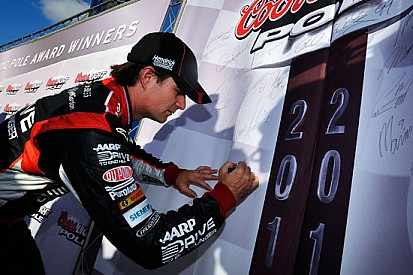 Jeff Gordon si piazza in pole position a Loudon