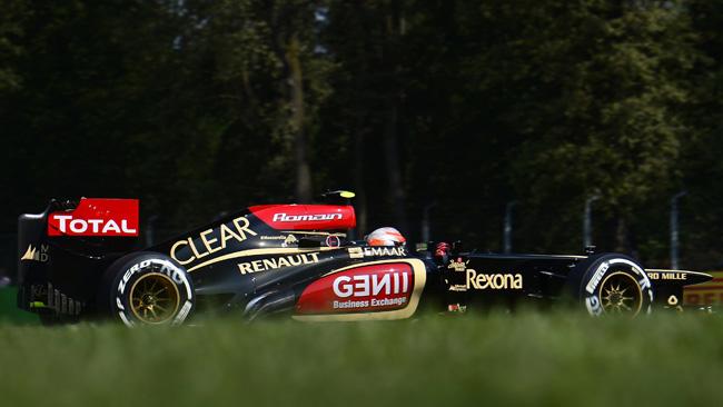 La Lotus replica alla Ferrari e prende Hennel