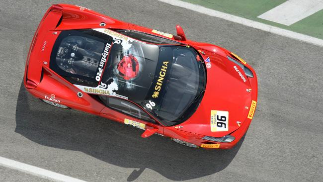 La Ferrari 458 Challenge col kit ha girato ad Adria