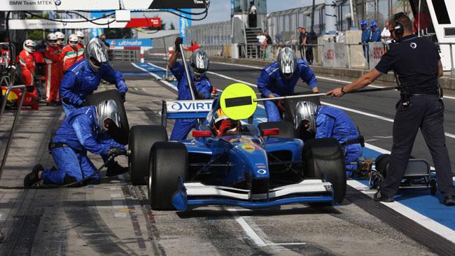 Virtuosi UK ai test di Jerez con Venter e Pal Kiss