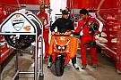 La prima Rossa di Cal Crutchlow è...uno scooter