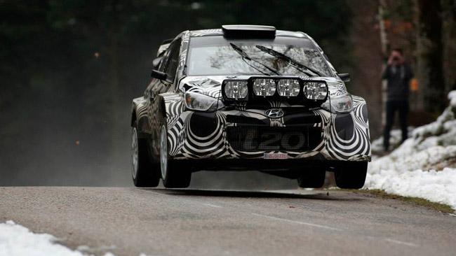 Primo test con la Hyundai i20 WRC per Thierry Neuville