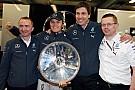 La Mercedes dedica la vittoria di Melbourne a Schumi