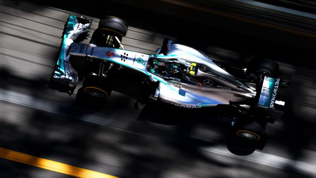 Rosberg pole a Monaco e poi va lungo: è polemica!