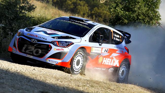 Italia, PS2: Neuville porta in testa la Hyundai!