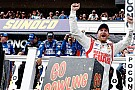 Dale Earnhardt Jr si impone di strategia a Pocono