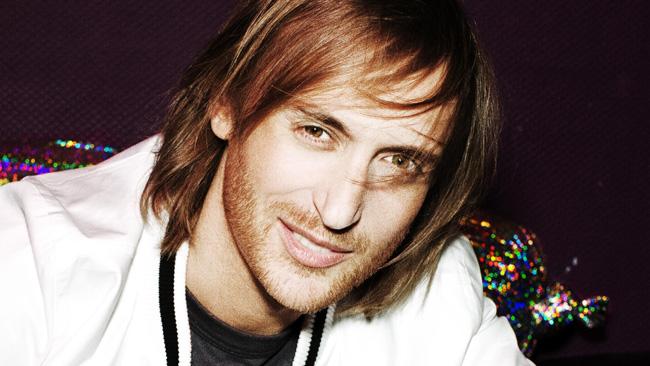 David Guetta gira un video sulla Lotus E20 a Jerez