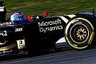 Jolyon Palmer sulla Lotus nelle prove libere in Cina