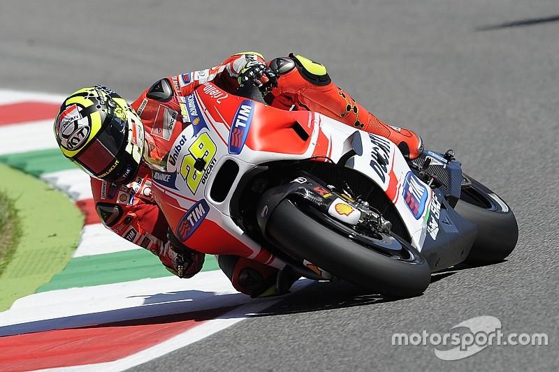 Iannone logra la pole y Márquez queda eliminado en la Q1