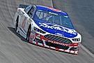 NASCAR castiga a Bayne y a Cobb