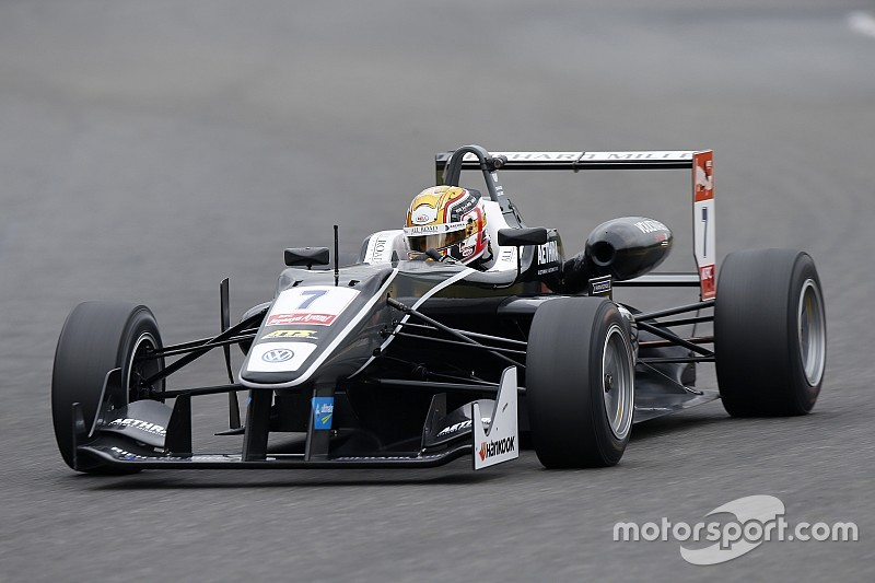 Leclerc wins Spa thriller as Rosenqvist and Giovinazzi clash