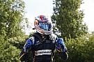 Буэми сохранил шансы на титул, выиграв первую гонку