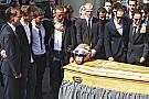 """Em velório, família de Bianchi se emociona: """"sempre iremos te amar"""""""