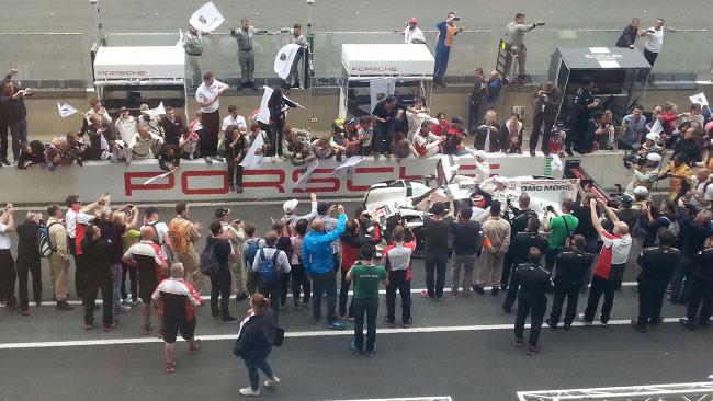 Le Mans, 24° ora: Porsche, la marcia è trionfale