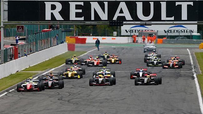 Oliver Rowland coglie vittoria in Gara 2 e primato