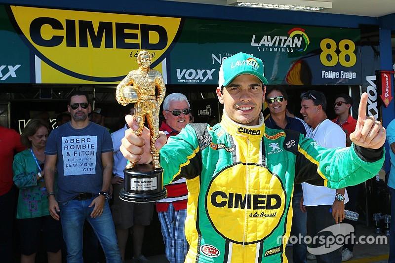 """Em treino emocionante, Gomes """"toma"""" pole de Serra e Barrichello"""