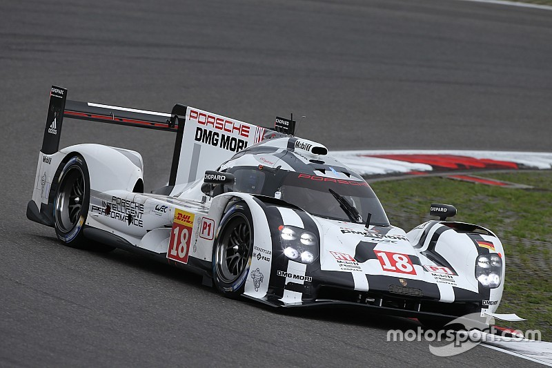 Good start for the two Porsche 919 Hybrids at the Nürburgring