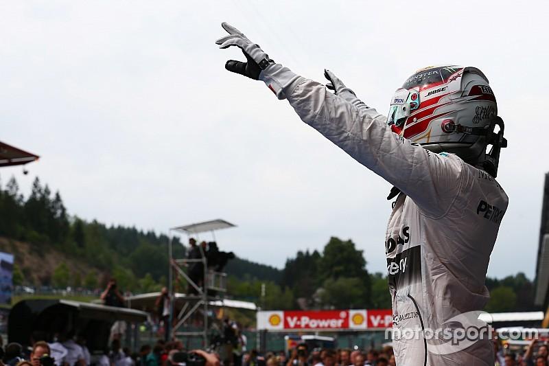 """Hamilton: """"Sento la Ferrari, ma per le vetture stradali"""""""