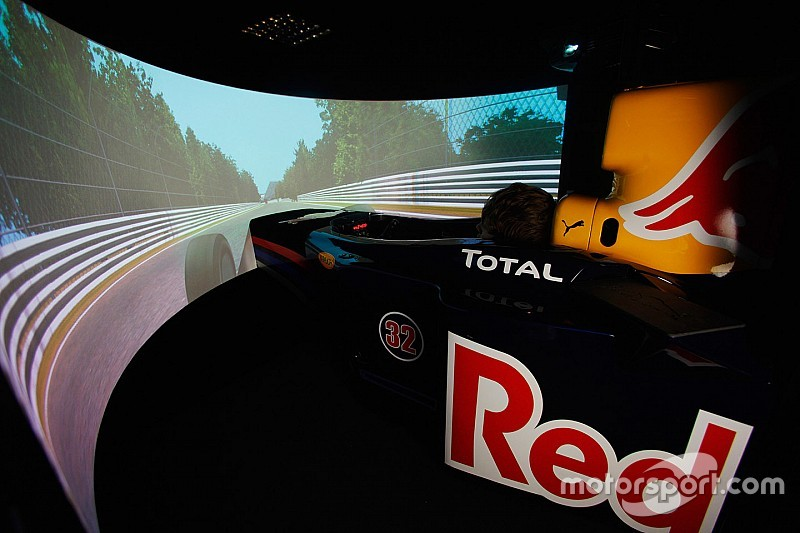 Conoce cómo trabaja el simulador de Red Bull