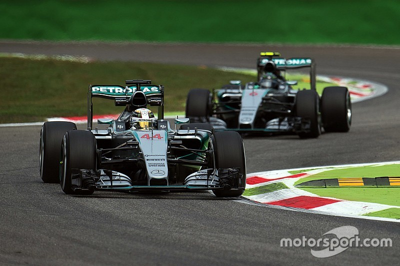 Hamilton dans l'attente de l'enquête sur le moteur de Rosberg
