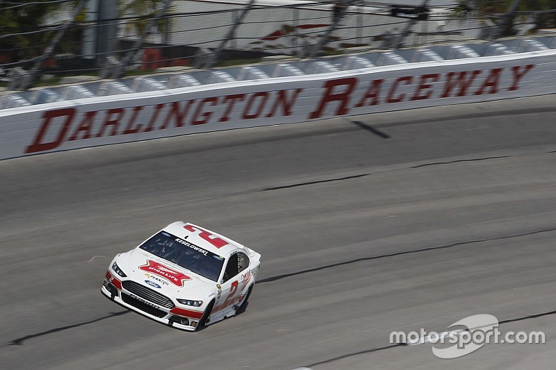 Keselowski larga na pole em Darlington