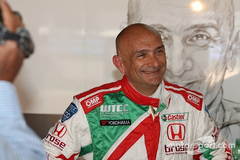 Tarquini completes clean sweep in final Motegi practice