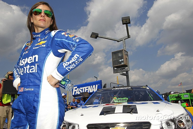 Aspen Dental extends sponsorship deal with Danica Patrick